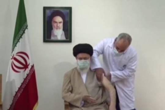 Imam Khamenei receiving the Iranian Covid vaccine